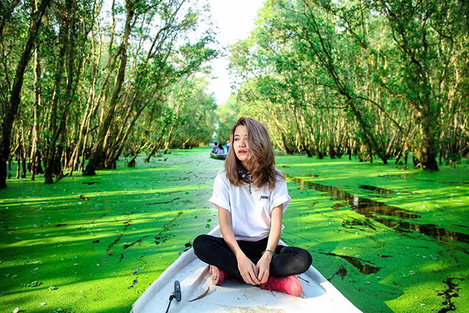 Endless green carpets of water hyacinth and enjoyable singing of birds are expected to be lasting experiences in the heart of the visitors. Photo: Collection
